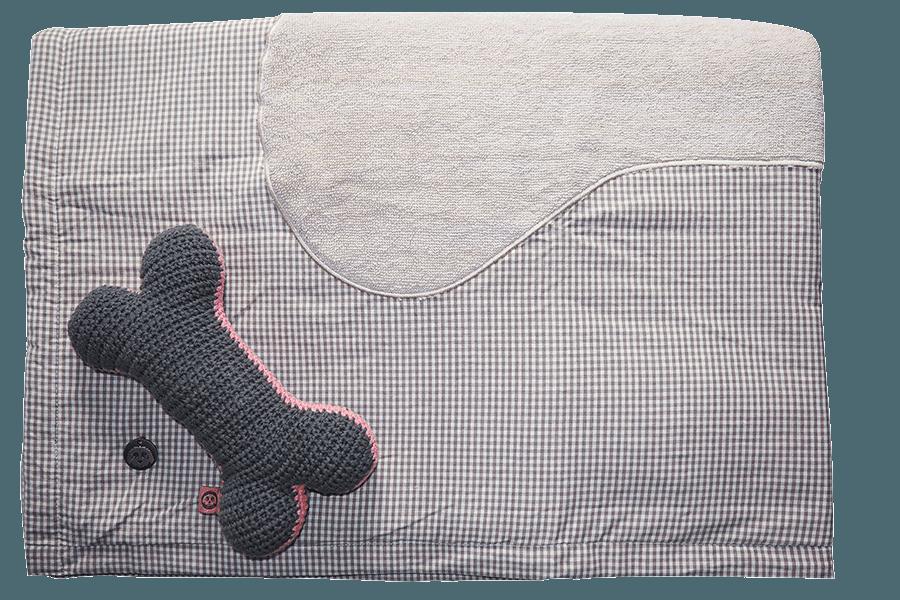 Frotee-Decke für das Hundekörbchen oder zum Abtrocknen nach dem Baden.